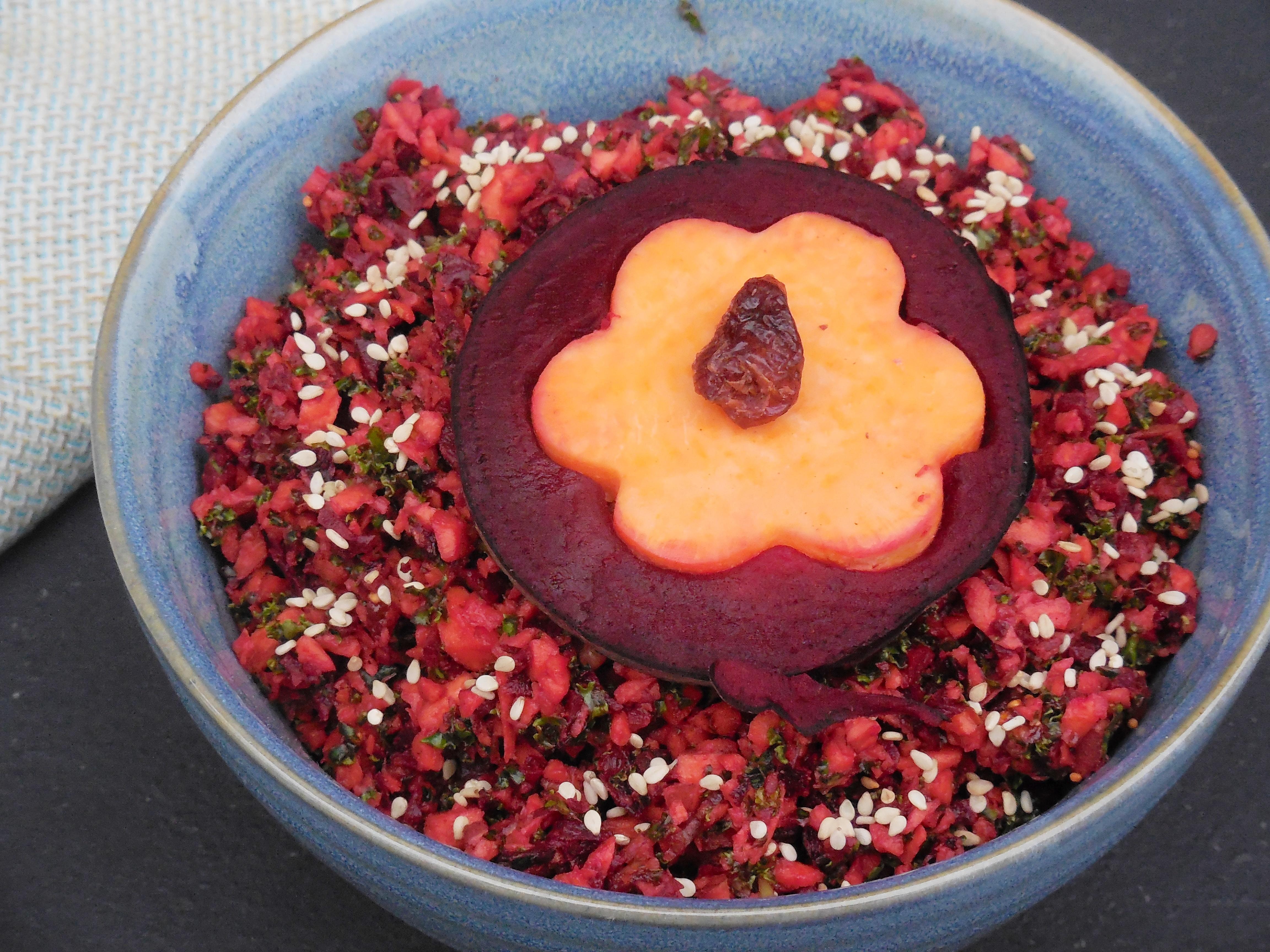 lunch bowl s kartoffel mit rote bete und kurkuma nordisch roh. Black Bedroom Furniture Sets. Home Design Ideas